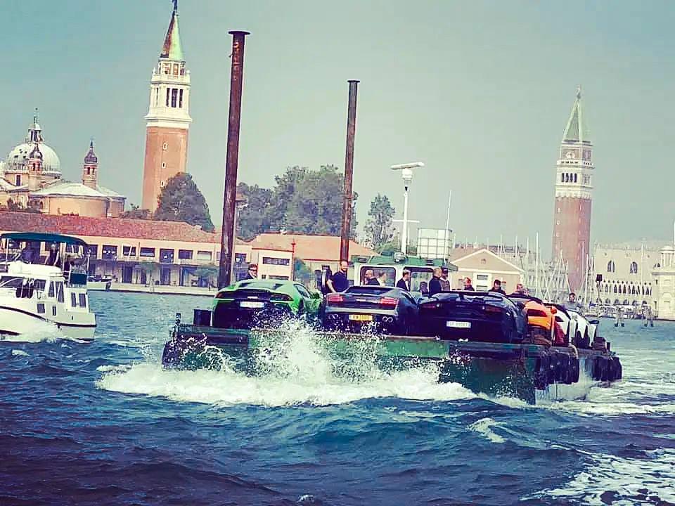 Venezia: Lamborghini Piazza San Marco